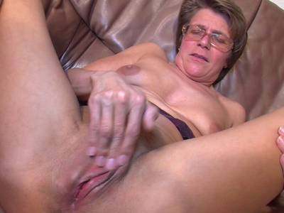 Mösen mature Hairy Nude