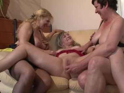Deutsch Reife Blondine Lesbisch